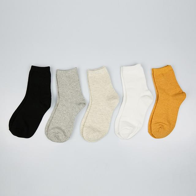 simple snug fit socks