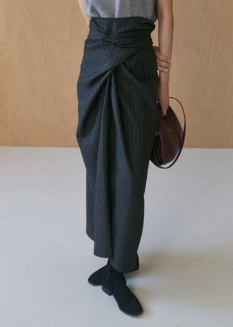 Twisted Long Skirt