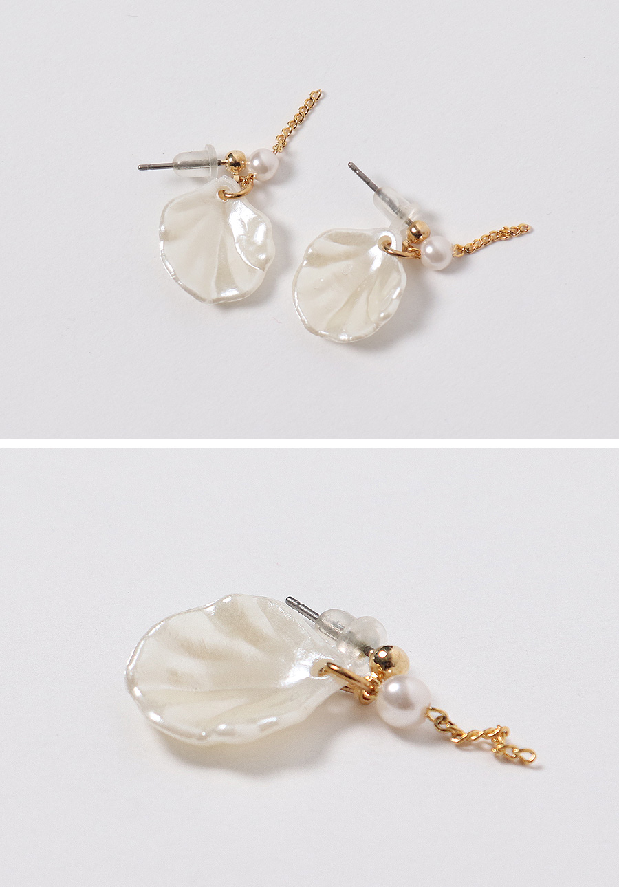 Clam pearl earring_H (size : one)