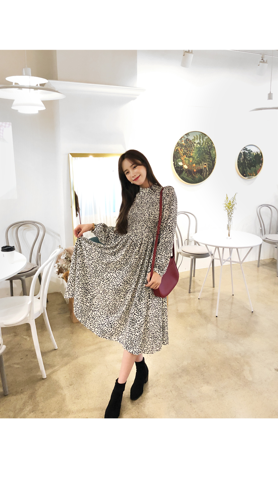 Romantic smog dress