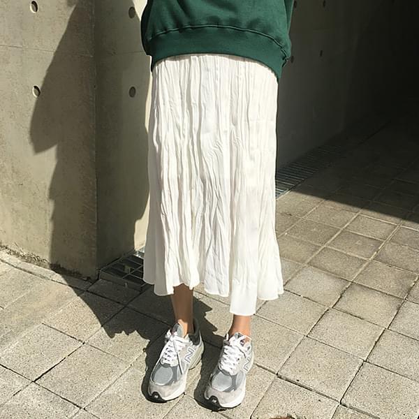 Unlike the wrinkle skirt