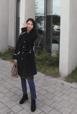 Please go to see the pretty coat :) Gold button long coat
