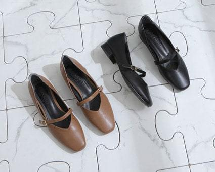 Pedicel buckle strap flat shoes