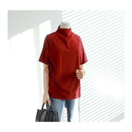 Berry incision Shirring antics T-shirt