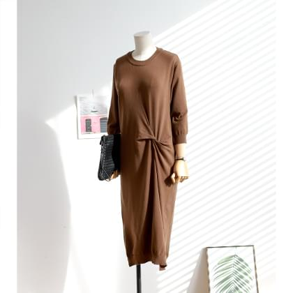 Simple twisted knit dress