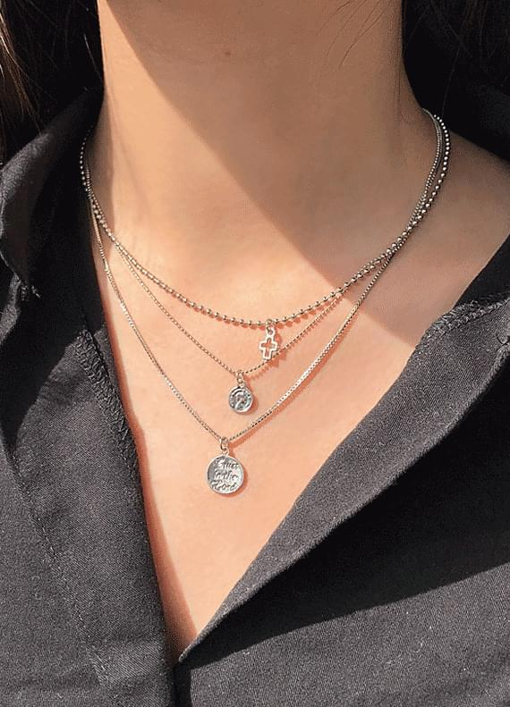 Triple necklace
