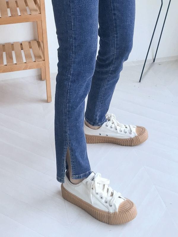 Slim side denim jeans