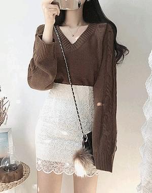 Warm V neck knit