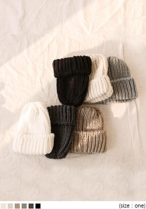 6 COLOR THICK KNIT BEANIE