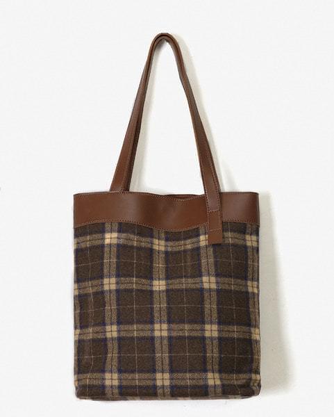 square check tote bag