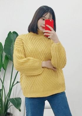 Knit twisted oblique warp knit