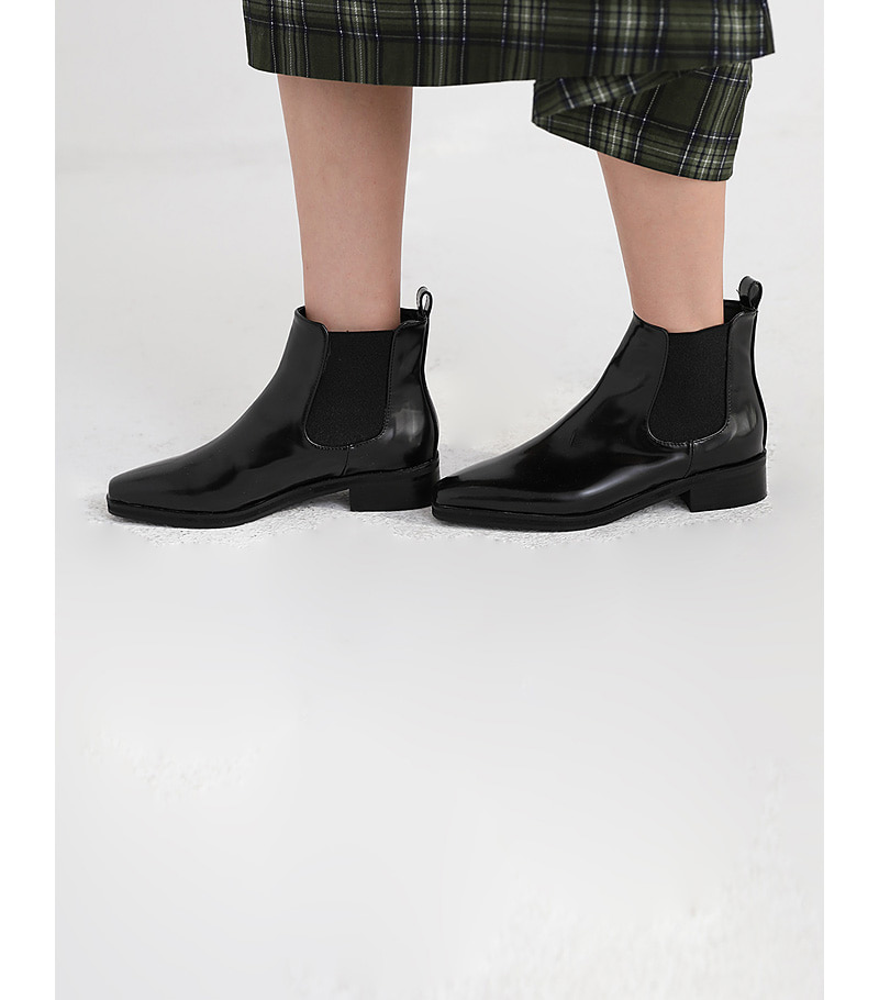 clip banding ankle boots