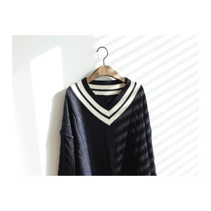 Eve V Neck Tweezers Knit