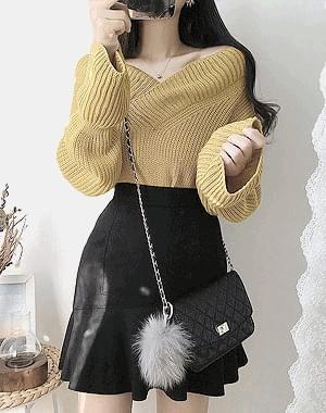 Halloween V neck knit