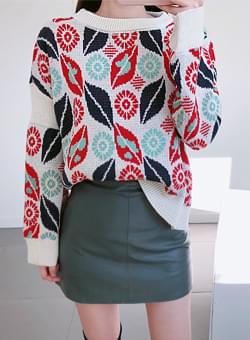 Color lean round knit