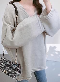 V-over-buffet knit