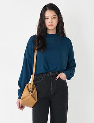 middle high neck knit