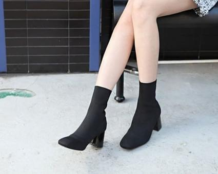 Lovers span Ankle boots