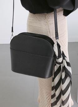 Two-strap shoulder bag