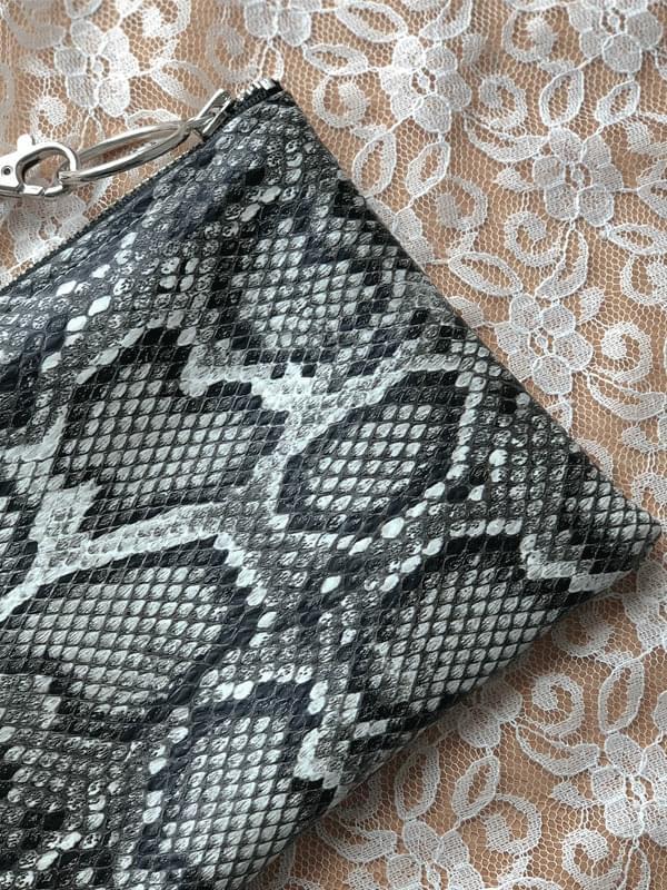Vampi mini clutch bag