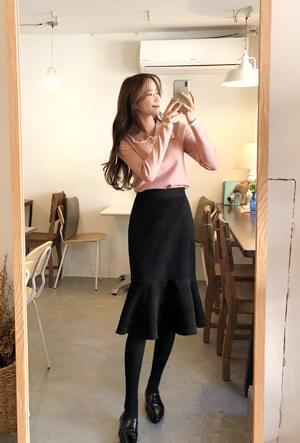 Floor line skirt