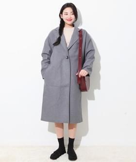 Single plain woolen coat