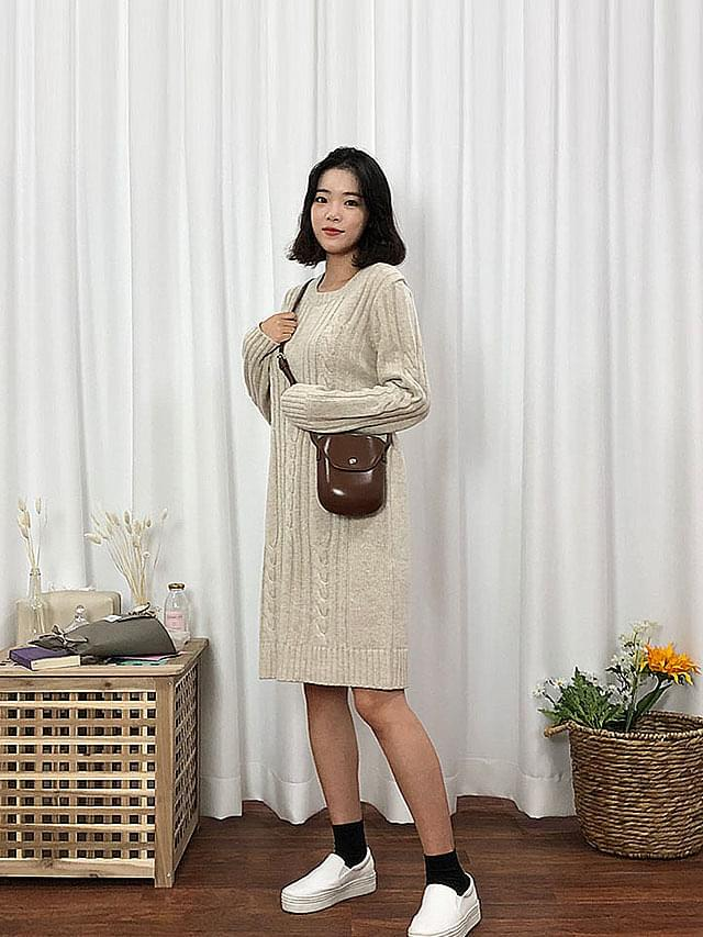 Long dress with twill weave
