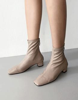 Incision shoes