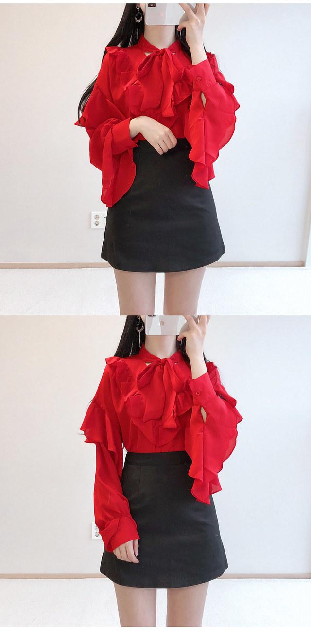 Order rush ♥ Red taste frilly ribbon blouse