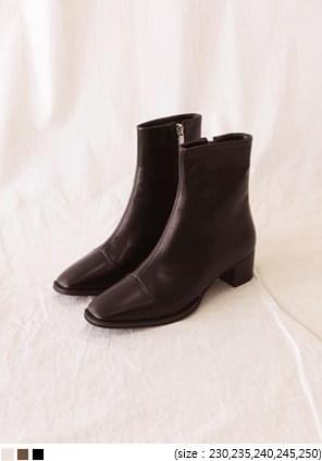 LINK SQUARE ANKLE BOOTS