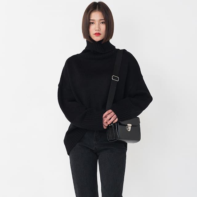 Loose-fit Turtleneck Knitwear