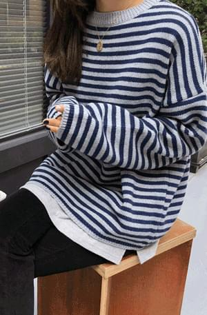 Pierrot-striped knit