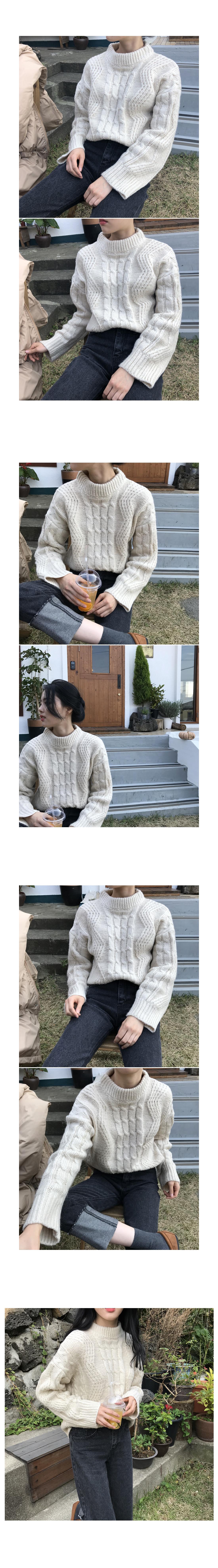Five knit twill