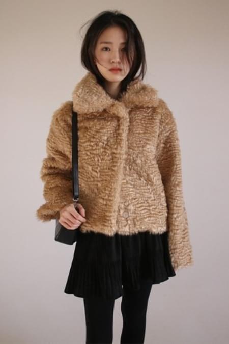curly fur jacket (beige)