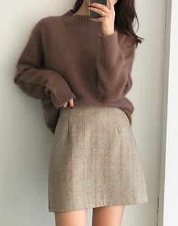 Roya Angora knit