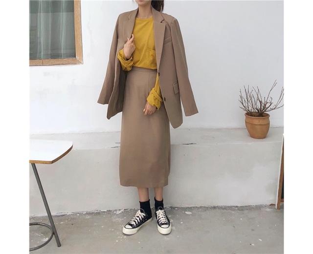 Button brown jacket long skirt set