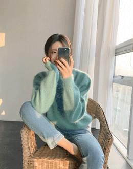 Color Angora knit