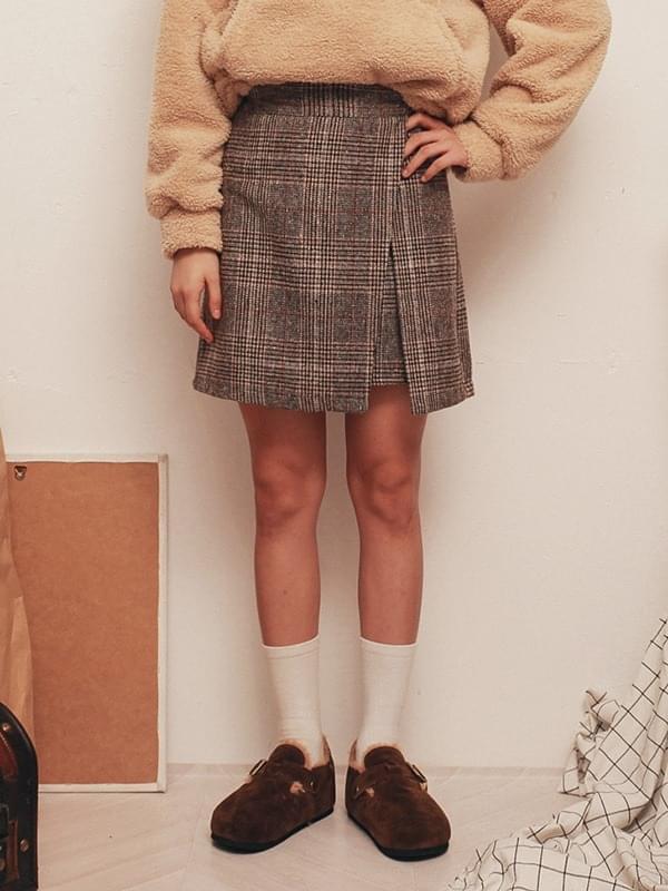 Check grooming skirt