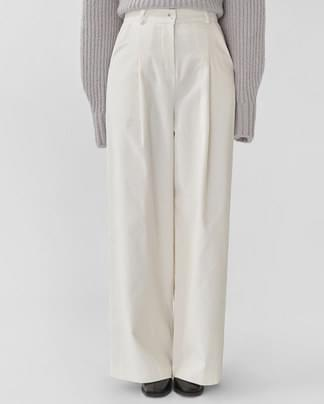will corduroy wide pants