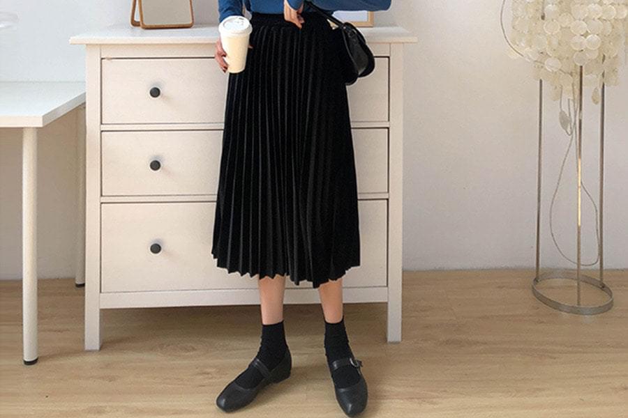 Velvet Lara Pleated Long Skirt