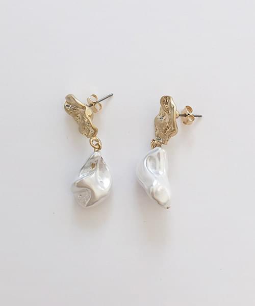 carol earring