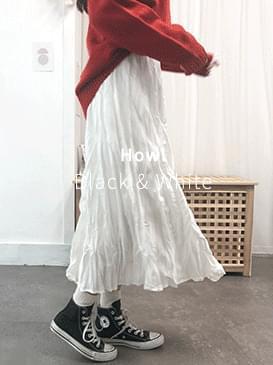 Wrinkled long skirt