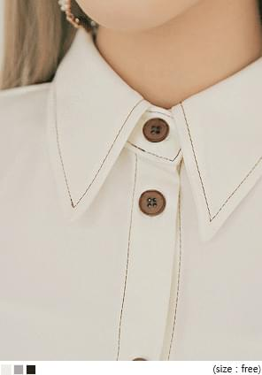 PIE STITCH COLLAR BLOUSE
