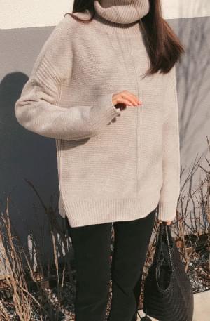 Oliver-Turtleneck Knit