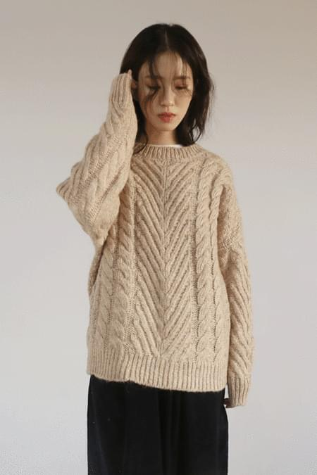 mohair round knit top