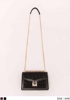 VOLUME GOLD CHAIN LEATHER BAG