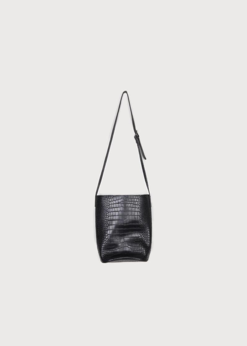Soft shoulder pouch bag