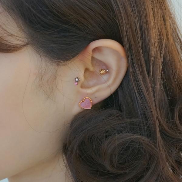 Cutty Fang Heart Earrings