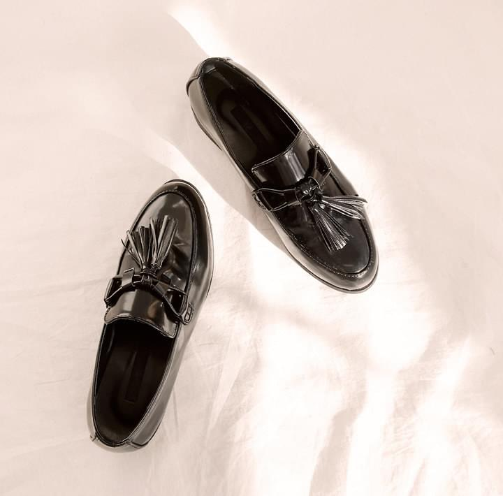 CLASSIC TASSEL LEATHER LOAFER