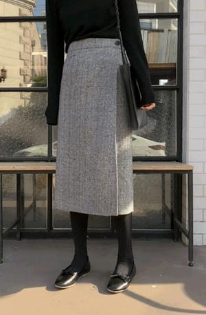 3-button herringbone wrap skirt